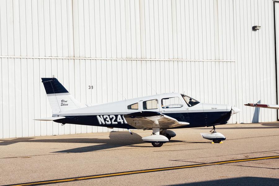 Blue-Skies-Flying-Services-N32403-Warrior