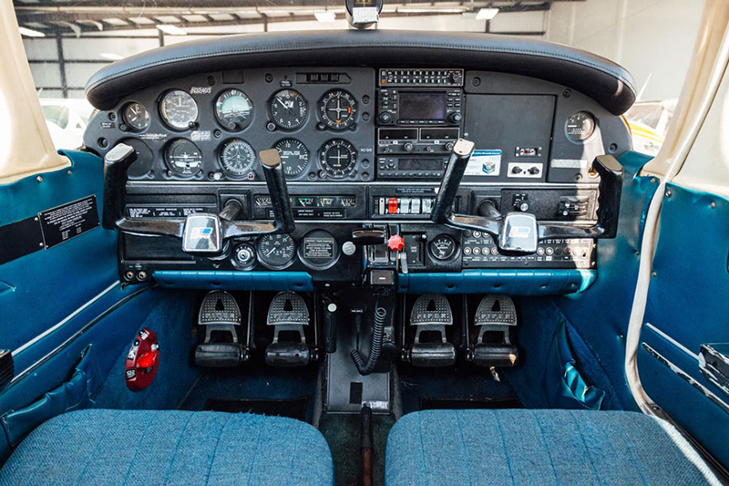 Blue-Skies-Flying-Services-Pilot-Shop-Aircraft-Rental_Warrior_N32403_02