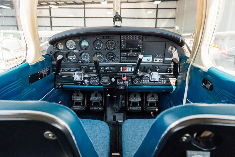 Blue-Skies-Flying-Services-Pilot-Shop-Aircraft-Rental_Warrior_N32403_03