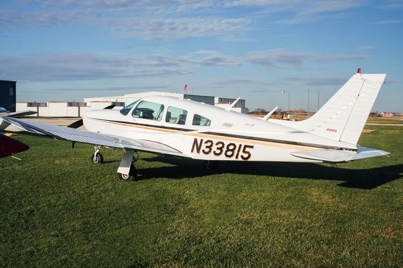 Blue-Skies-Pilot-Shop_N33815-Piper-Arrow-Aircraft-Rental
