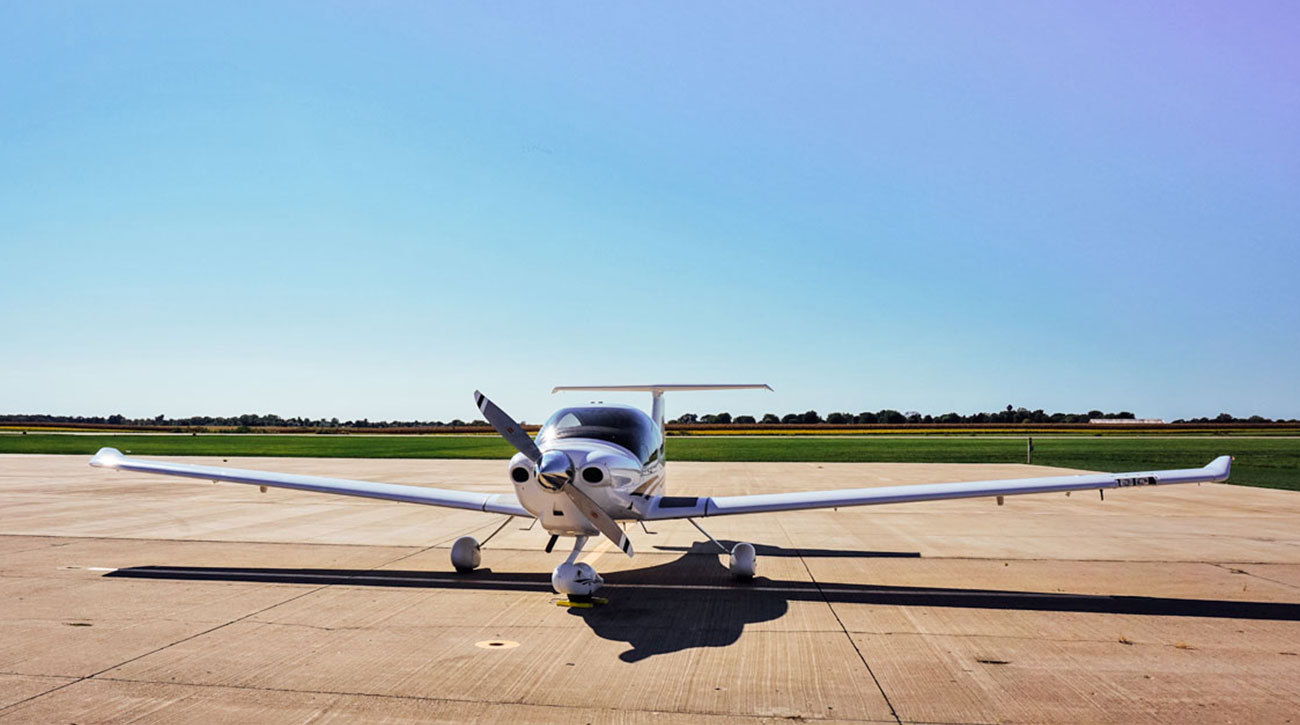 Blue-Skies-Flying-Services-Pilot-Shop-Fly-Ground-School-Maintenance