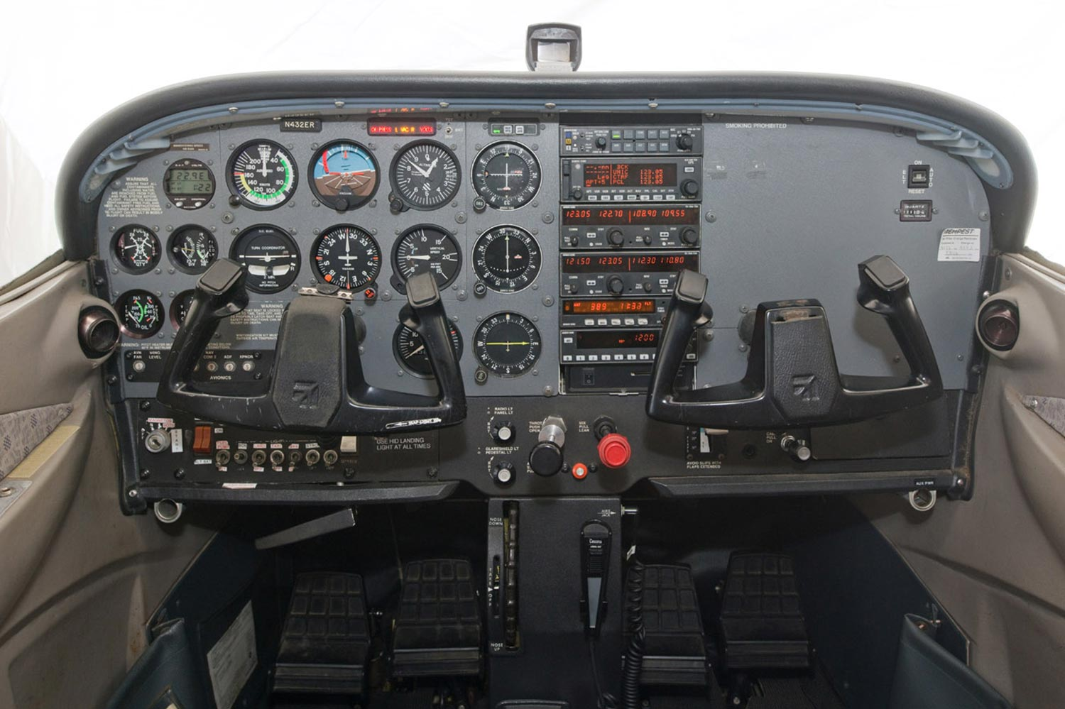 Blue-Skies-Flying-Services-N432ER-1998-Cessna-172R-180HP