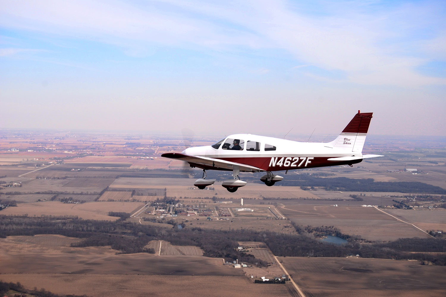 Blue-Skies-Flying-Services-Instructor-Panel-Bluetooth-Piper-Archer-N4627F-Plane