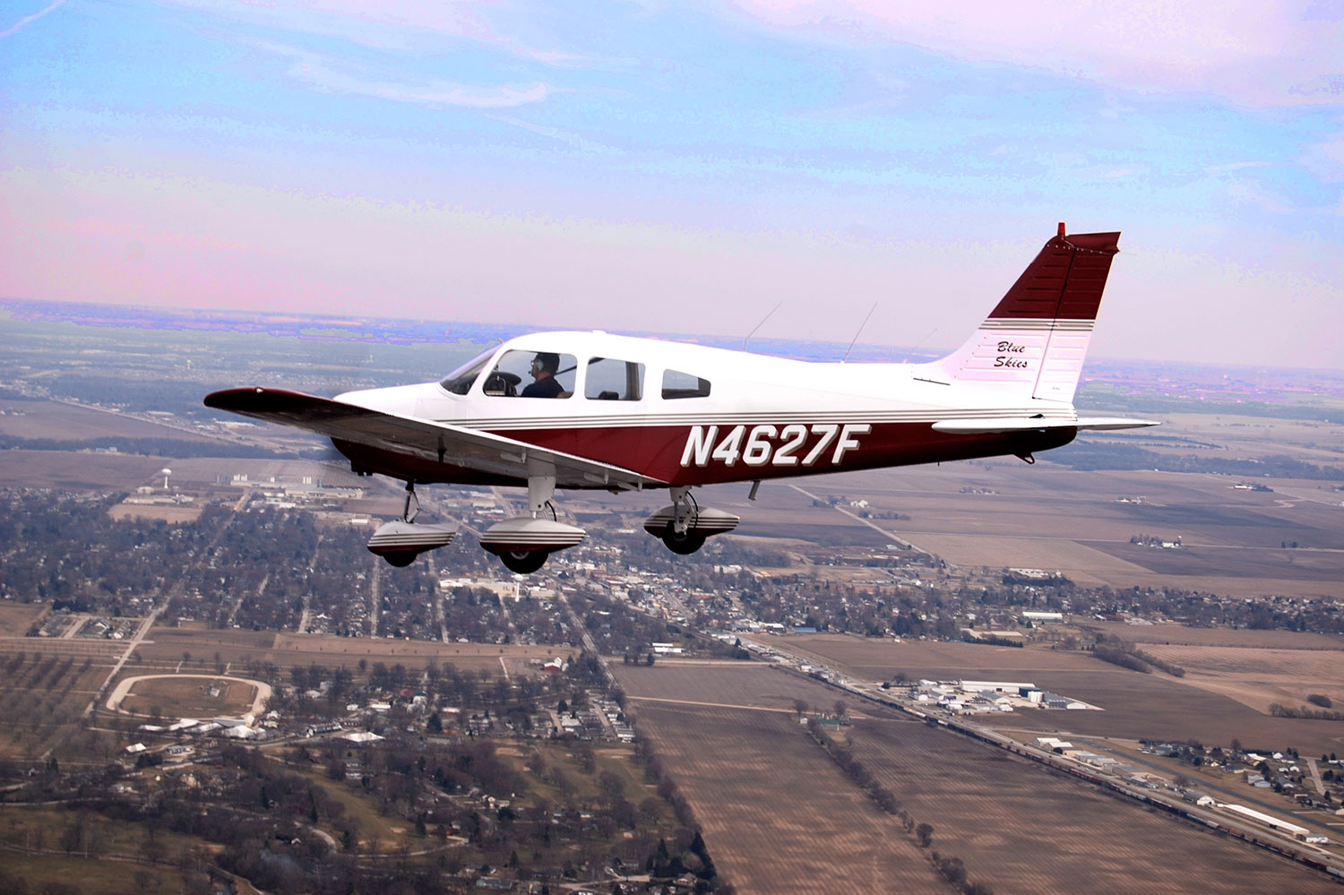 Blue-Skies-Flying-Services-Lake-in-the-Hills-Panel-Bluetooth-Piper-Archer-Plane