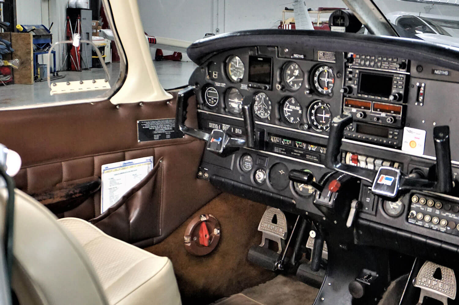 Blue-Skies-Flying-Services-Piper-Archer-N2817D-Cockpit-Panel